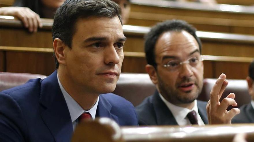 """Sánchez garantiza que si Chaves y Griñán son imputados """"cumplirá su palabra"""""""