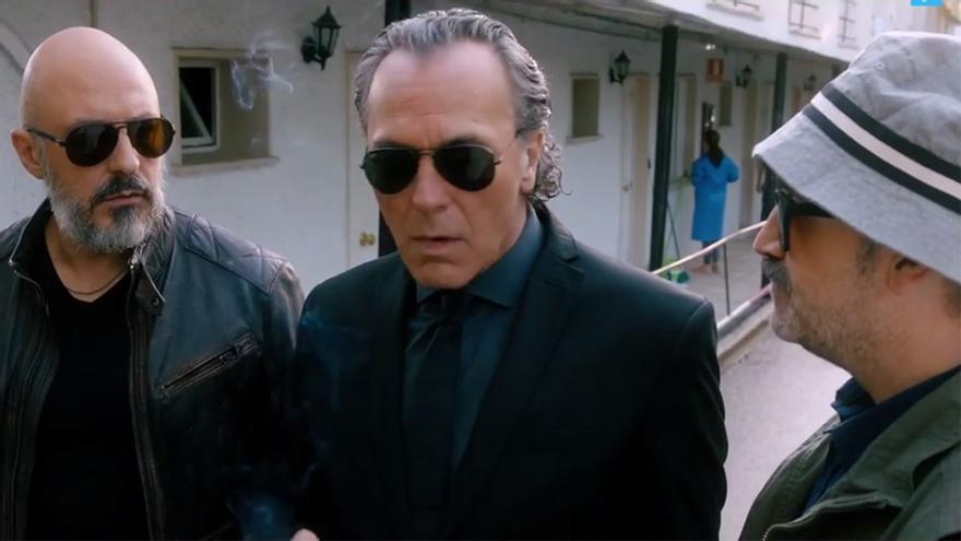 Fotograma del filme con el trío de actores principales