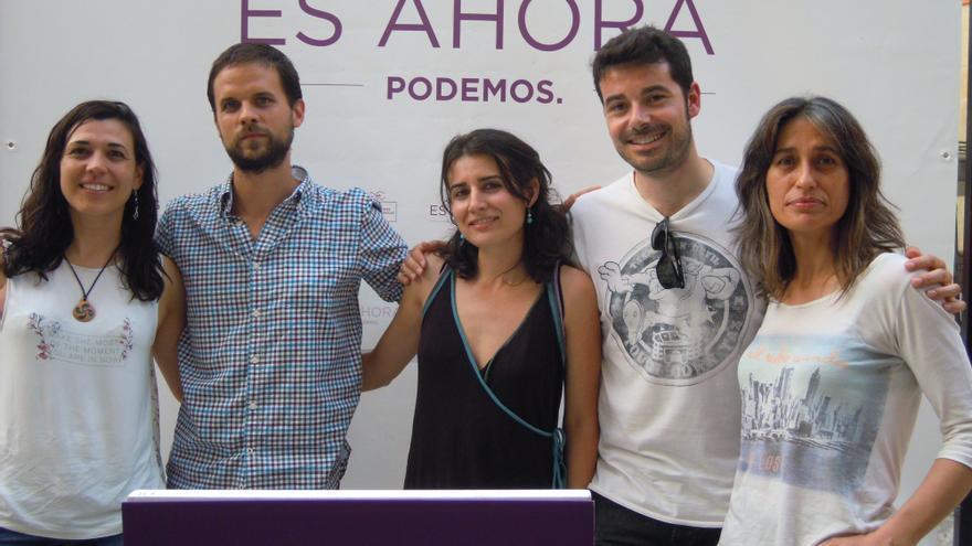 Álvaro Jaén en el acto de campaña de Trujillo, junto a parte del equipo