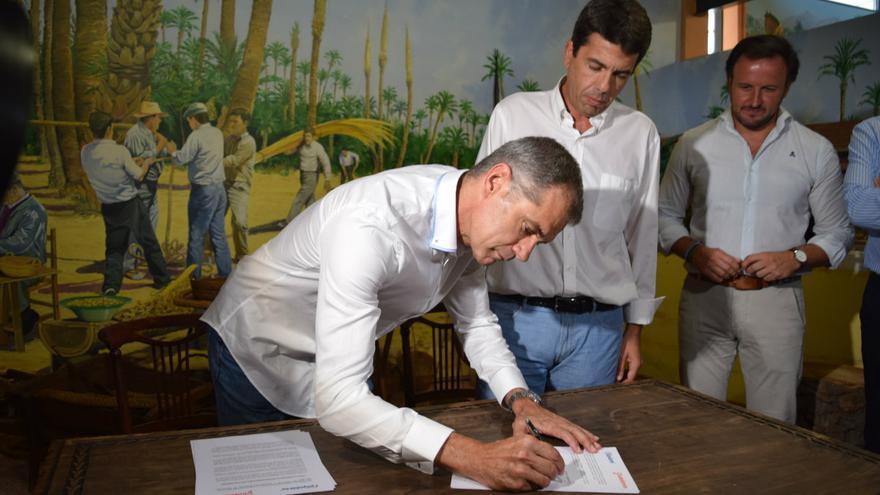Toni Cantó y Carlos Mazón en la firma del acuerdo de la Diputación de Alicante