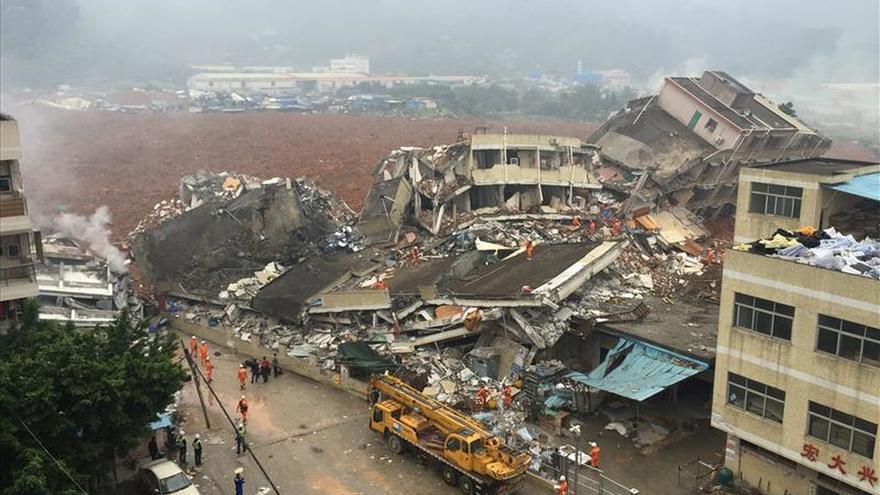 Al menos 41 desaparecidos tras un corrimiento de tierras en el sur China