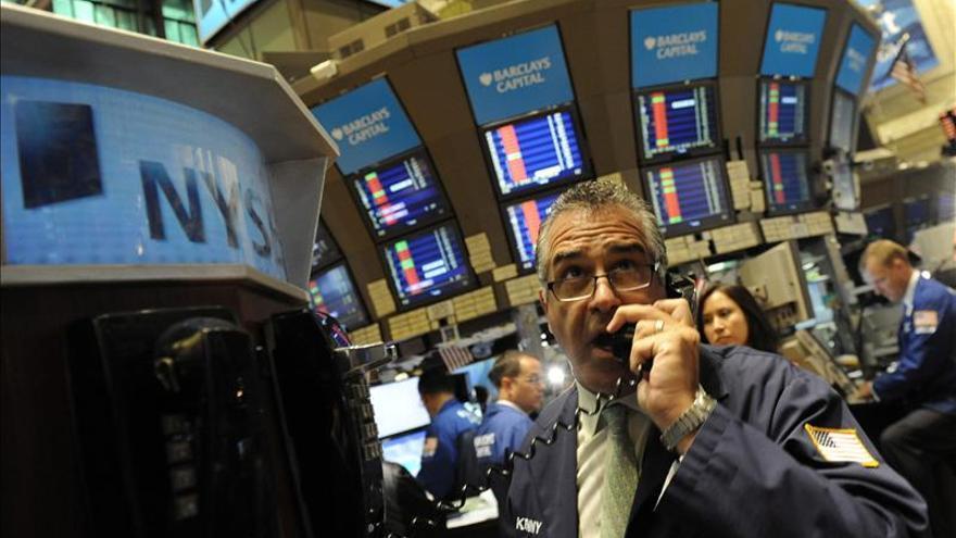 Wall Street baja el 0,50 por ciento en la apertura