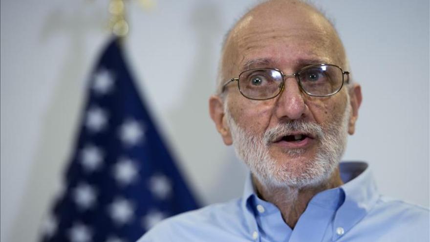Alan Gross quiere impulsar la relación entre EE.UU. y Cuba un año después de su liberación