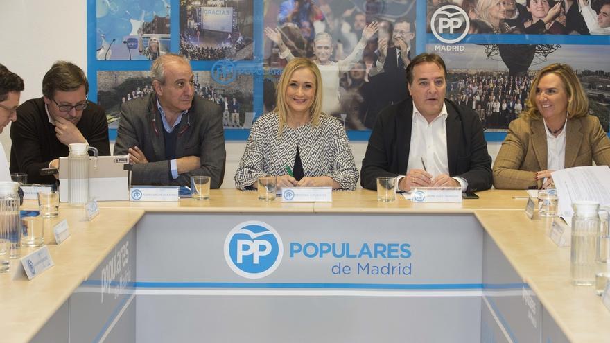 """Cifuentes defiende que en 2017 el PP de Madrid debe """"contribuir al éxito"""" del Congreso Nacional"""
