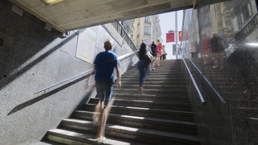 En la estación de metro de Gran Vía no existen accesos para personas con movilidad reducida