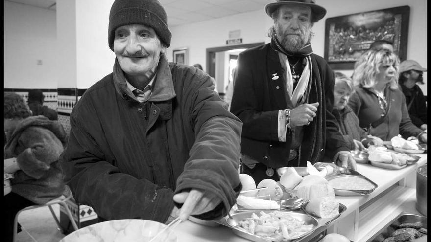 Mirada cr tica comedores sociales estampas de una crisis - Comedor social de triana ...