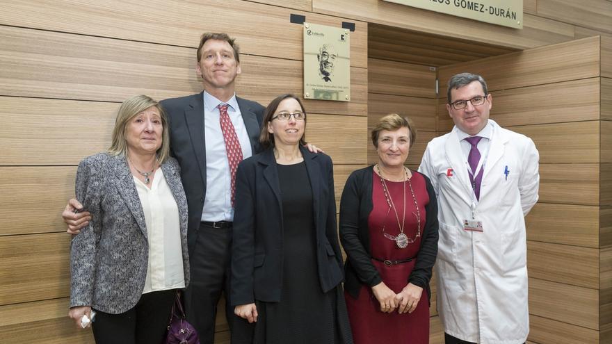Valdecilla dedica el nombre del salón de actos de las Tres Torres al doctor Gómez-Durán