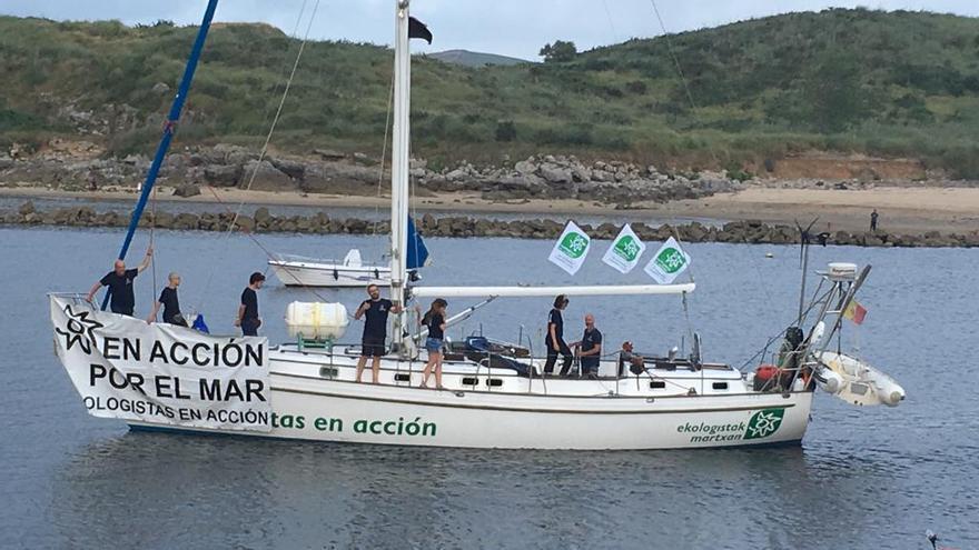 Velero de Ecologistas en Acción 'Diosa Maat'