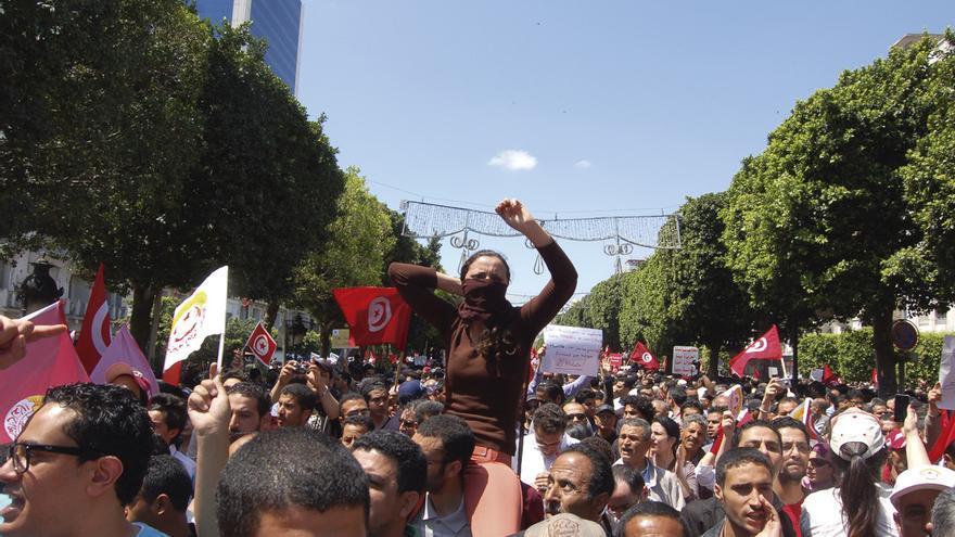La subida de los precios y de los impuestos ha soliviantado a muchos tunecinos.