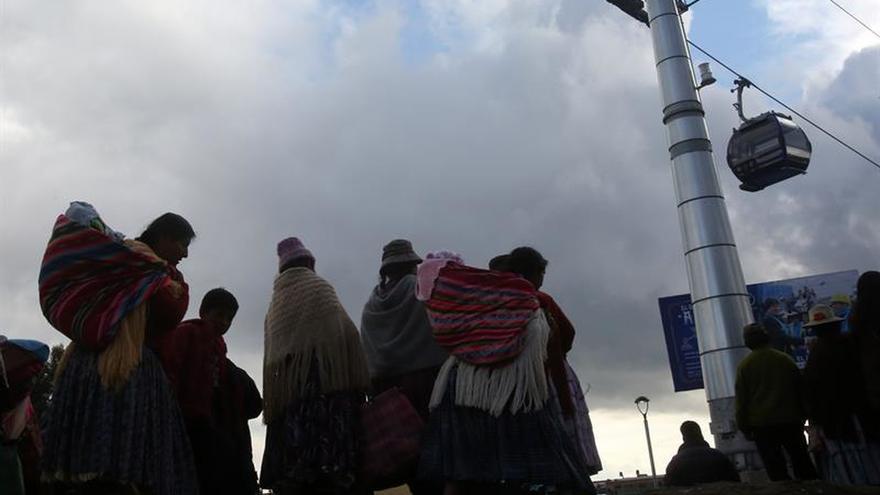 Inauguran la línea de teleférico de mayor longitud en Bolivia