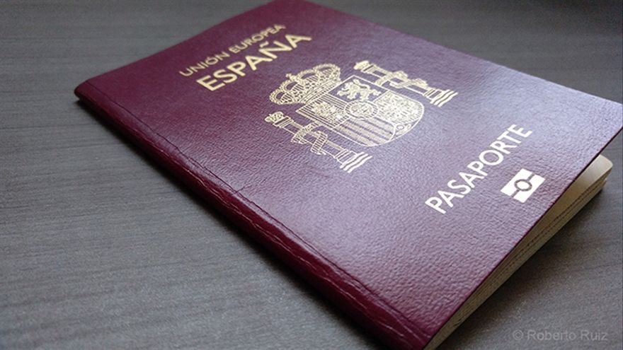 Expedir un nuevo pasaporte suele ser el trámite más común para el que acudimos a una embajada.