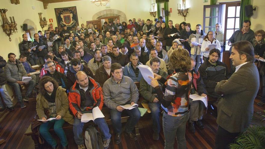 Movellán recoge cerca de 300 propuestas de actuación para mejorar los ocho pueblos del Valle