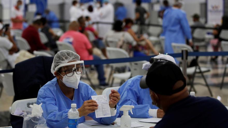 El sector privado apoya la vacunación en zona muy afectada por covid en Panamá
