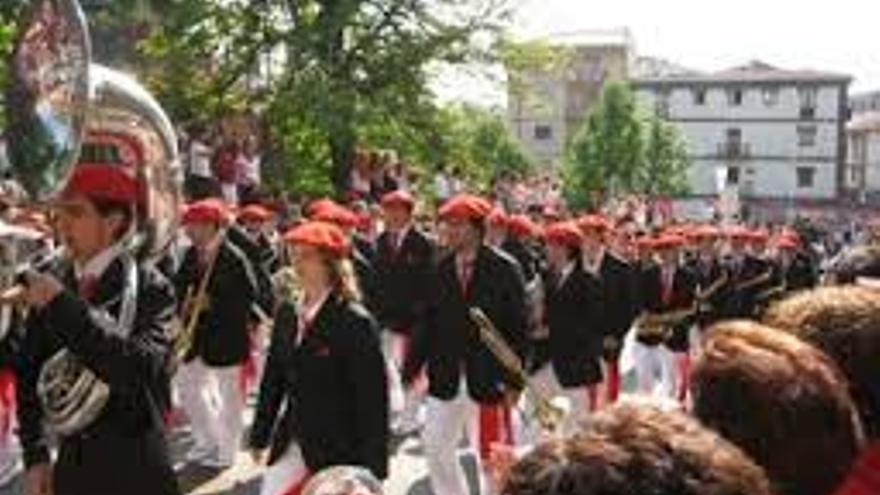Uno de los desfiles del Alarde protagonizado por mujeres.