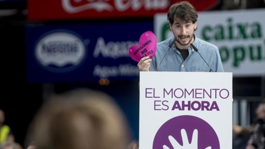 Jaime Paulino, secretario general de Podemos en Valencia, durante un mitin