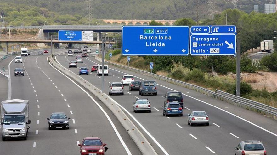 Un muerto y siete heridos en un accidente de tráfico que obliga a cortar la AP-7