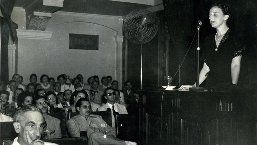 La filósofa, en 1943, en el Paraninfo de La Habana | Fundación María Zambrano