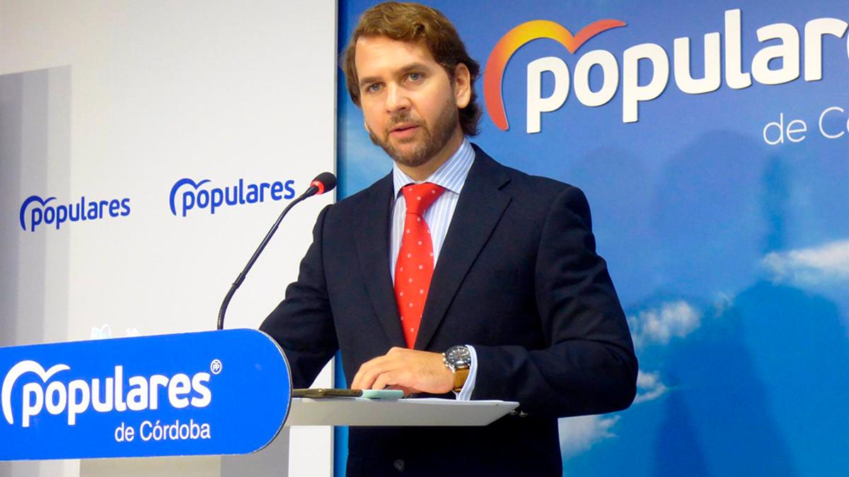 Fernando Priego en la sede del PP de Córdoba.