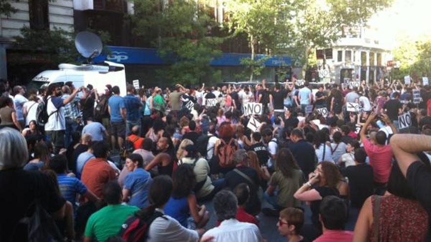 Concentración contra los recortes en la sede del PP, en julio de 2012 (J.L.S.)