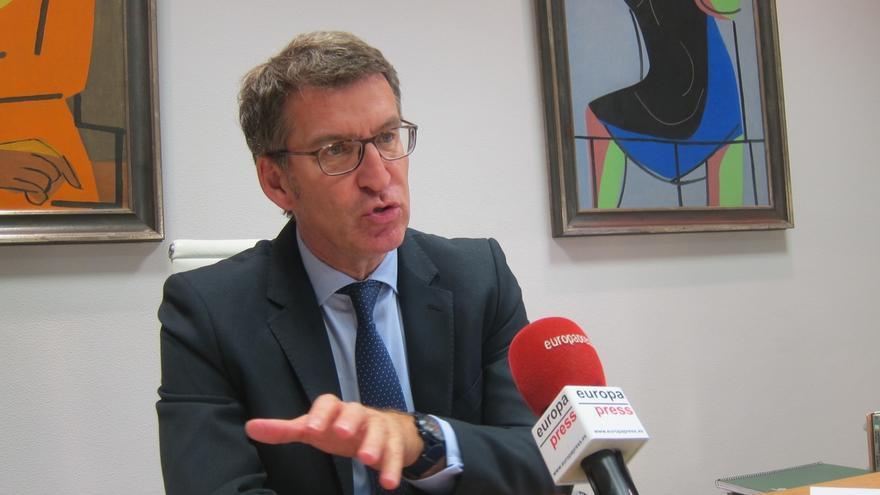 """Feijóo advierte que la Xunta también tendrá su propuesta para """"ganar tiempo"""" en el AVE y la """"contrastará"""" con Fomento"""