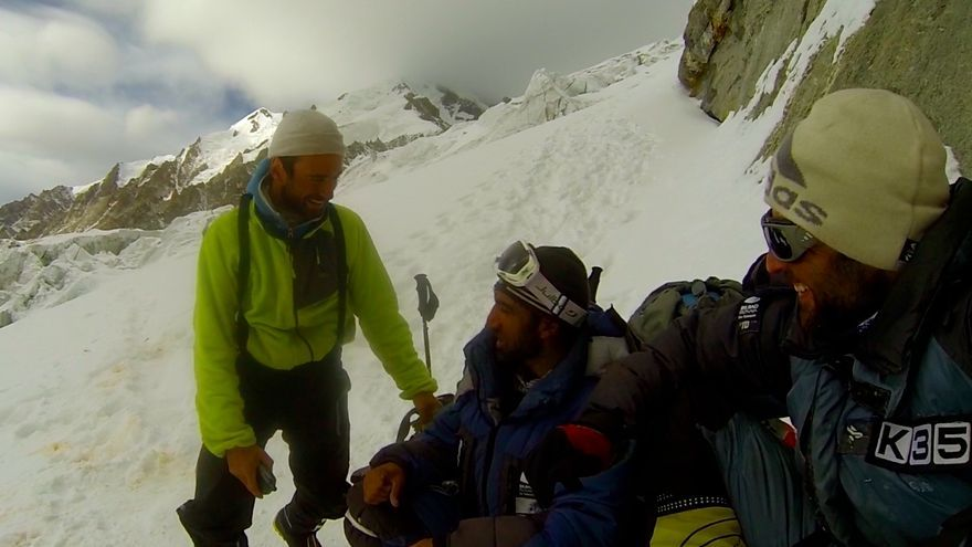 Alex Txikon junto a Ali 'Sadpara' y Daniele Nardi (© Alex Txikon).