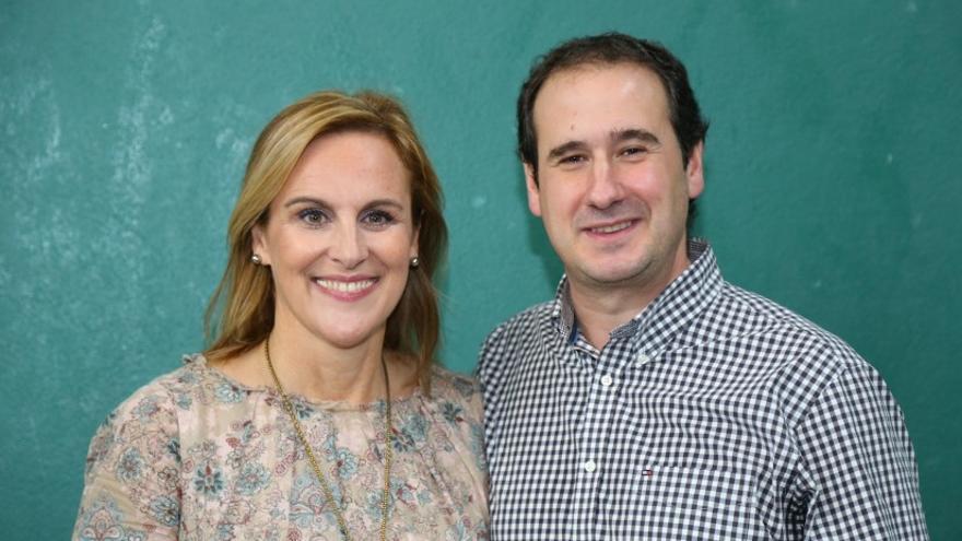 Asier Albizua junto a la presidenta del PNV en Bizkaia, Itxaso Atutxa.