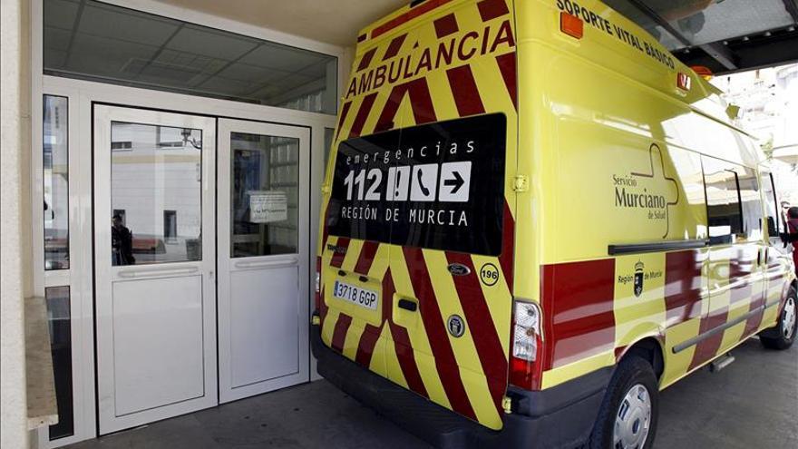 Dos muertos y 4 heridos en una colisión de un turismo y un camión en Murcia