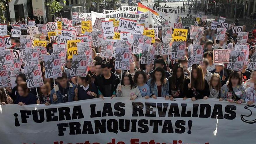 Estudiantes convocan huelga el 24 de noviembre y piden reunión con ministro