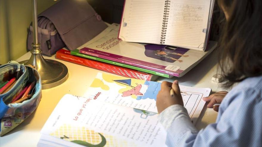 Educación dice que es necesario adquirir nuevos libros para aplicar la Lomce