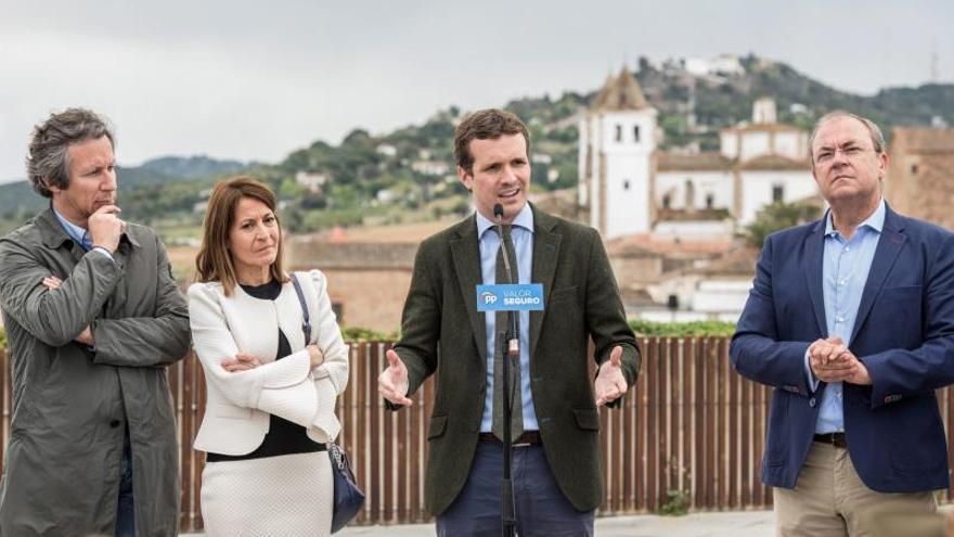 """Casado acusa a Sánchez de """"instrumentalizar"""" la televisión pública"""