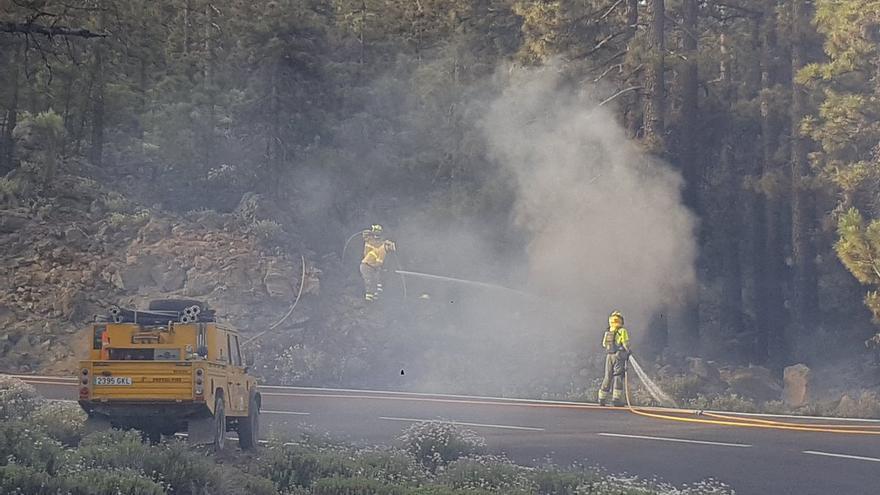 Incendio en la carretera TF-21.