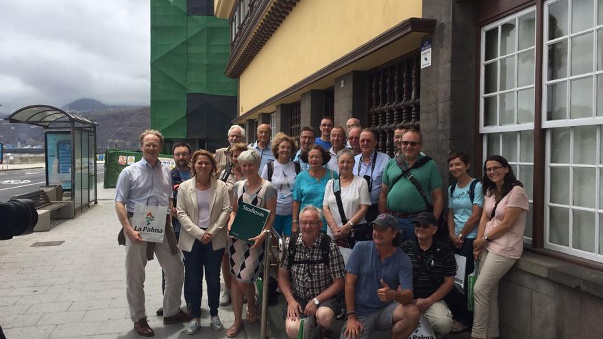 En la imagen, Alicia Vanoostende con el grupo de turistas.