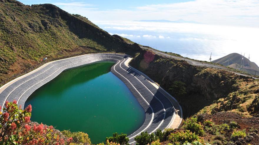 Central hidroeólica Gorona del Viento, El Hierro.