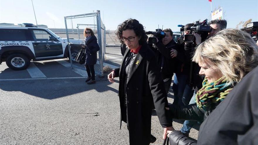 Rovira denuncia que Junqueras siga en prisión y pide más democracia
