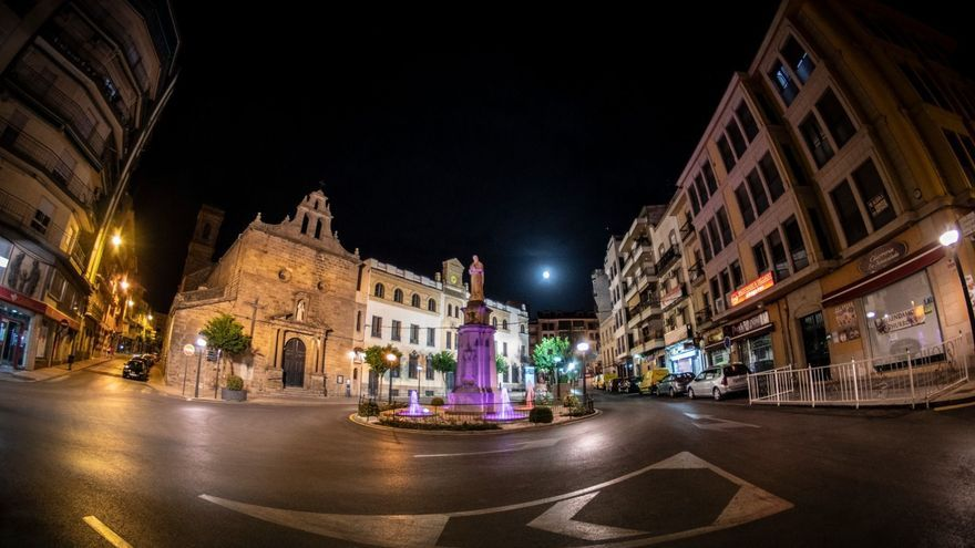Vista nocturna de la ciudad de Linares (Jaén).