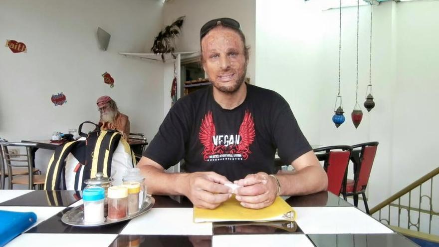 Antoni Ventura, alcalde de Sant Martí Sarroca (Barcelona), vegano y activista en defensa de los animales