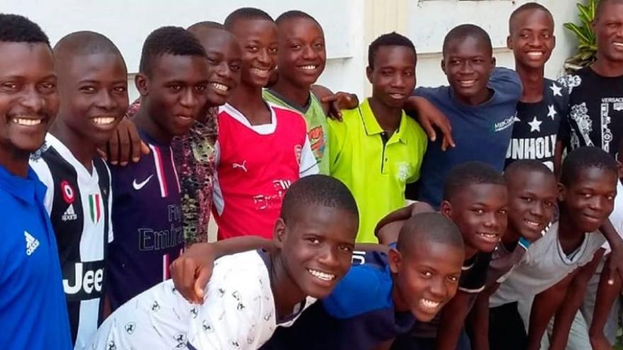 El equipo de Sierra Leona llegó de la mano de la ONG Diamond Child School of Arts and Culture, que impulsó una campaña de 'crowdfunding' para poder llegar