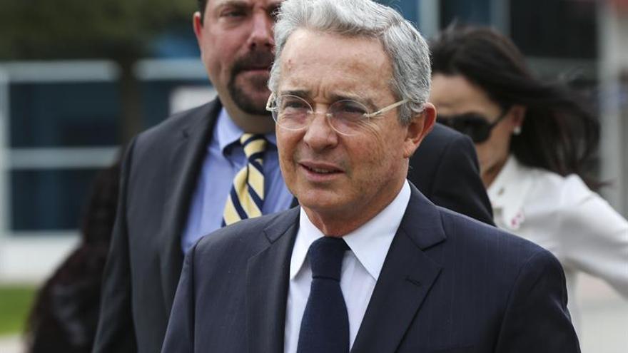 Uribe rechaza que el nuevo acuerdo de paz con las FARC sea refrendado en el Congreso
