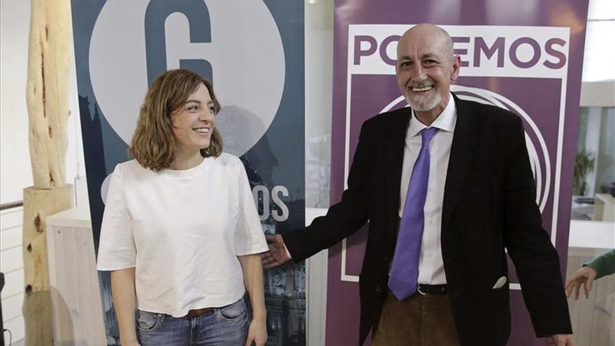 Jesús Montero, de Podemos, y Celia Mayer, de Ganemos Madrid