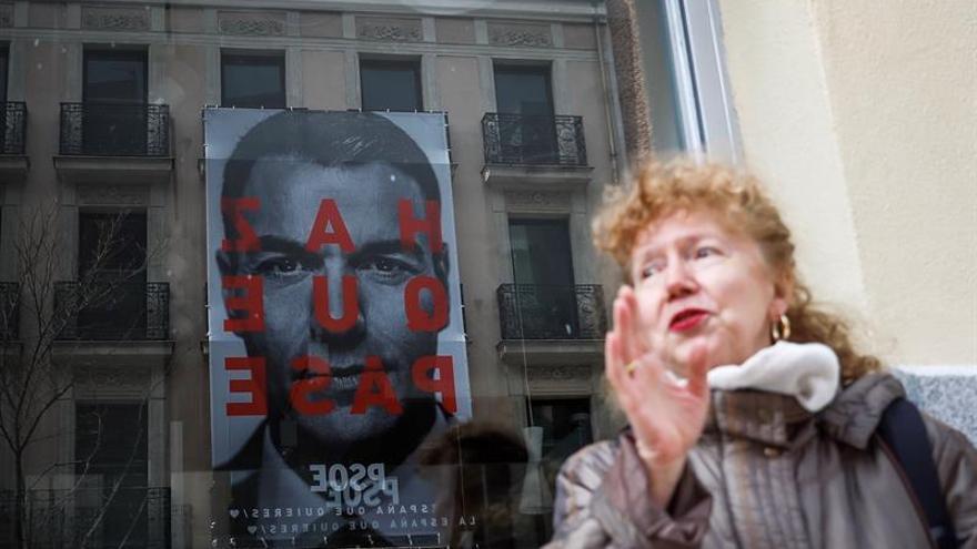 """El PSOE se inspira en """"Titanic"""" para su lema de campaña """"Haz que pase"""""""