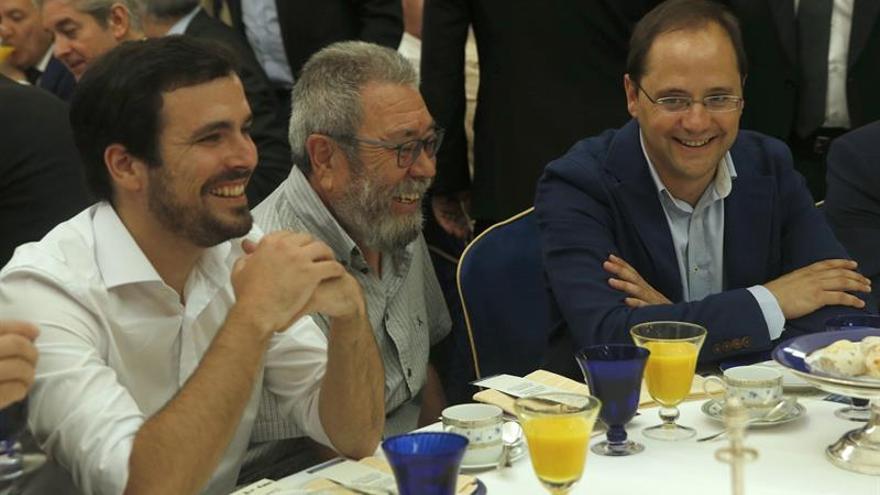 """Garzón espera que el PSOE no haga caso a Felipe González y elija """"izquierda"""""""