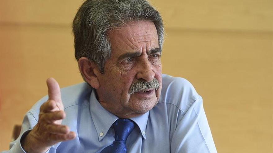 Revilla: Nos llevamos en el Gobierno PRC-PSOE como si fuéramos un solo partido