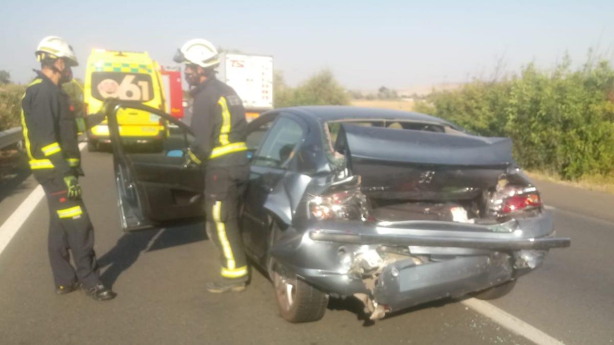 Accidente por alcance en la N-IV.