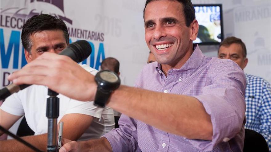 """Capriles propone una """"ley candado"""" para evitar que el Gobierno """"regale"""" los recursos"""