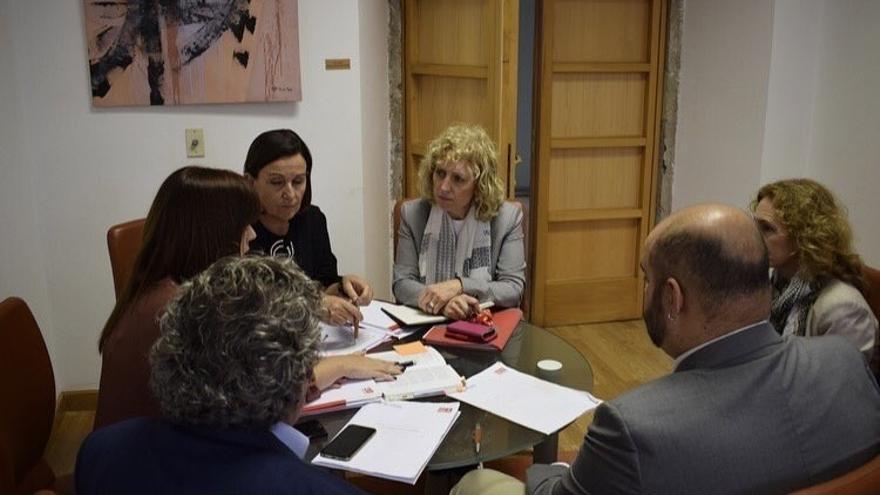 El PSOE informa al Grupo Parlamentario del relevo de portavoz, que irá a la Mesa del viernes