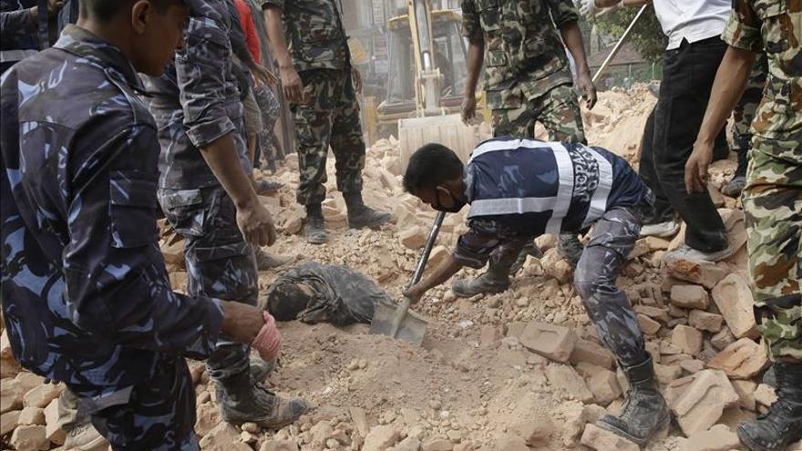 Israel enviará equipo de rescate y médicos para ayudar tras sísmo en Nepal
