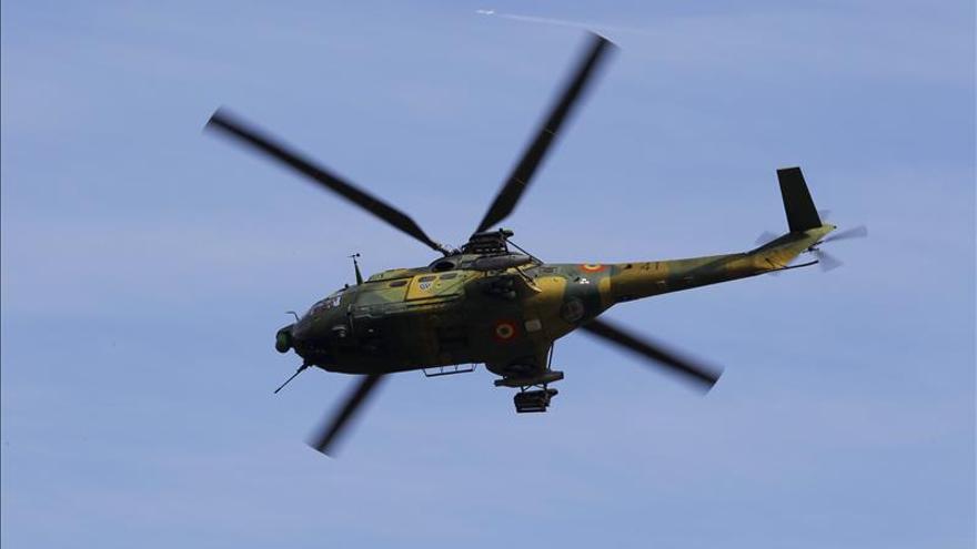 Mueren ocho militares tras estrellarse un helicóptero en Rumanía