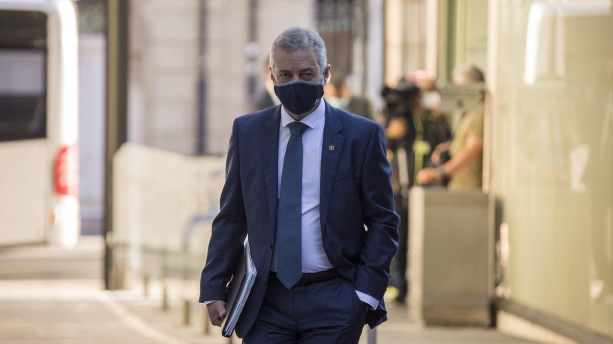 Urkullu, con mascarilla, este jueves en el Parlamento Vasco