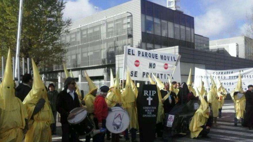 Manifestación de conductores del Parque Móvil de la Junta en Toledo
