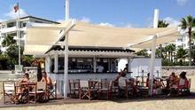 Adjudicados cinco nuevos quioscos y zonas de hamacas en la playa de Las Teresitas